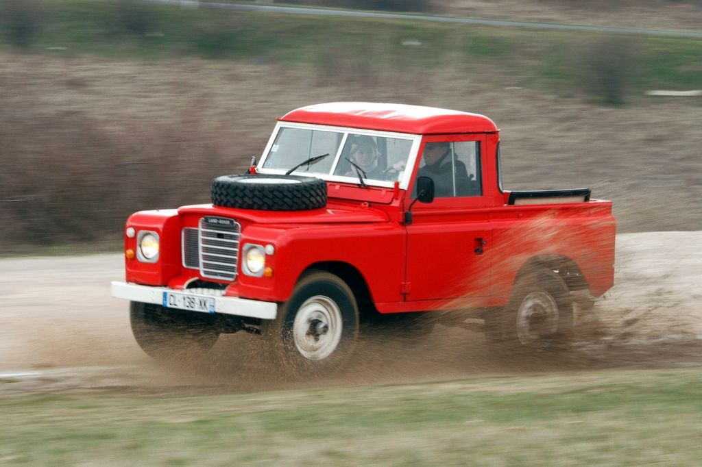 Land Rover SIII 1